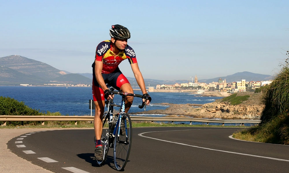 Road cycling Sardinia: leaving Alghero, direction Bonorva