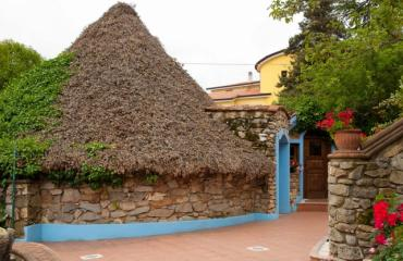 Hotel Cualbu Pinneto (old shepard hut) reconstruction