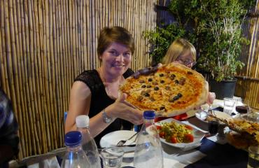 Cycling holiday Sardinia: pizza will keep up your energies after cycling