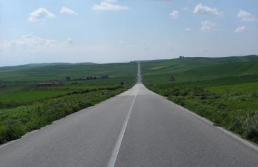 Cycling holiday Sardinia: empty roads in the Marmilla area