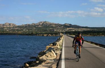 Road cyclijng Sardinia: bridge between La Maddalena and Caprera