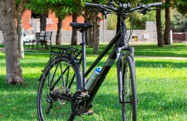 Trekking step-through frame Trekking bike step-throuth frame for rental in Sardinia