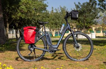 E-Bike Cube TOURING HYBRID Exc 500 for hire in Sardinia