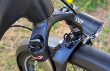 E-Bike front suspension with lockout